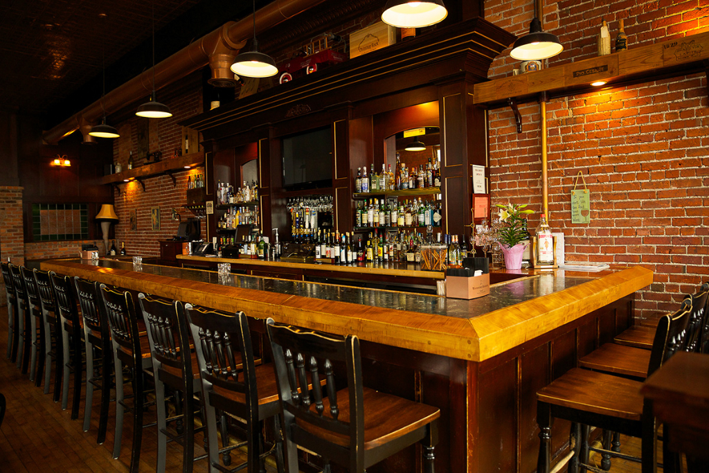 The Vintage Port Huron Upscale Dining In A Casual
